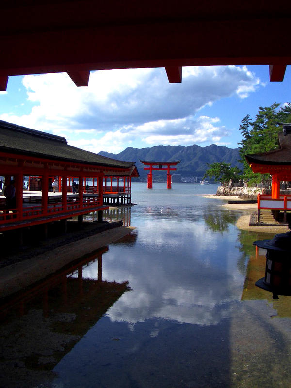 miyajima Japan by worldpitou