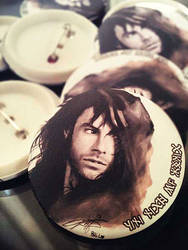 Kili Pin Button Design