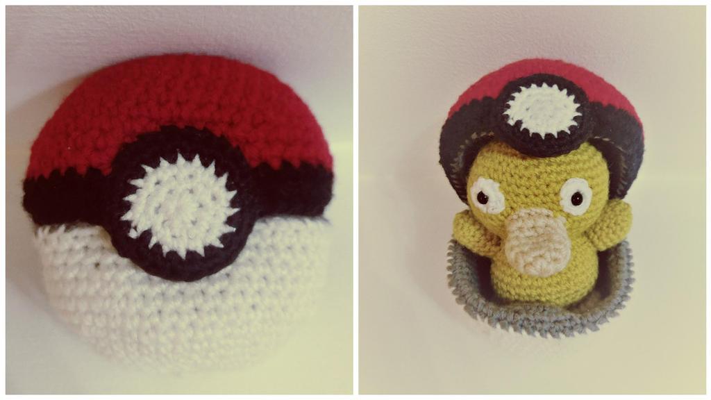Functional Crochet Pokeball! by jenny3793