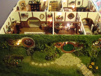 Hand Made Mini Hobbit Hole