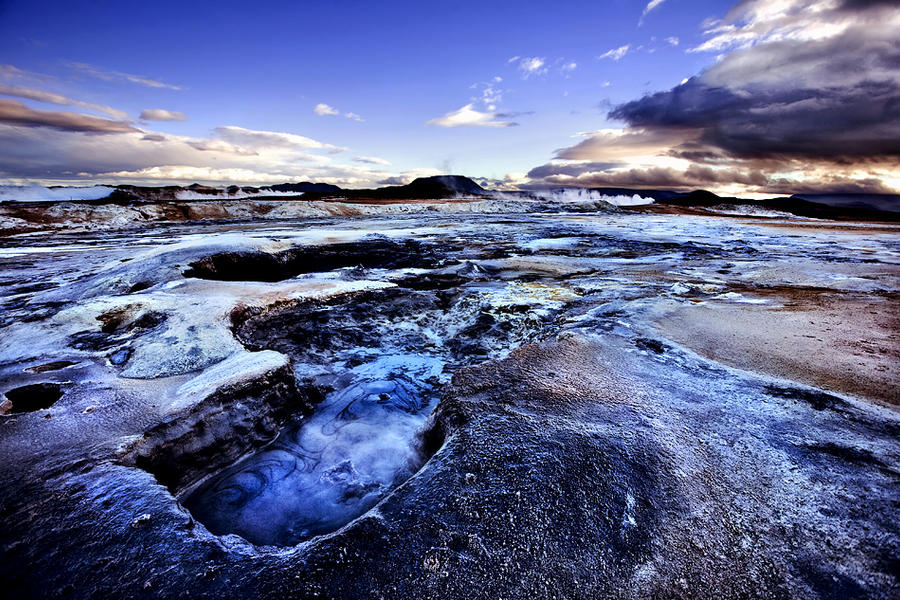 Plavo kao ... - Page 6 Boiling_mud_pools_of_namafjall_by_justinblackphotos-d3isyqt