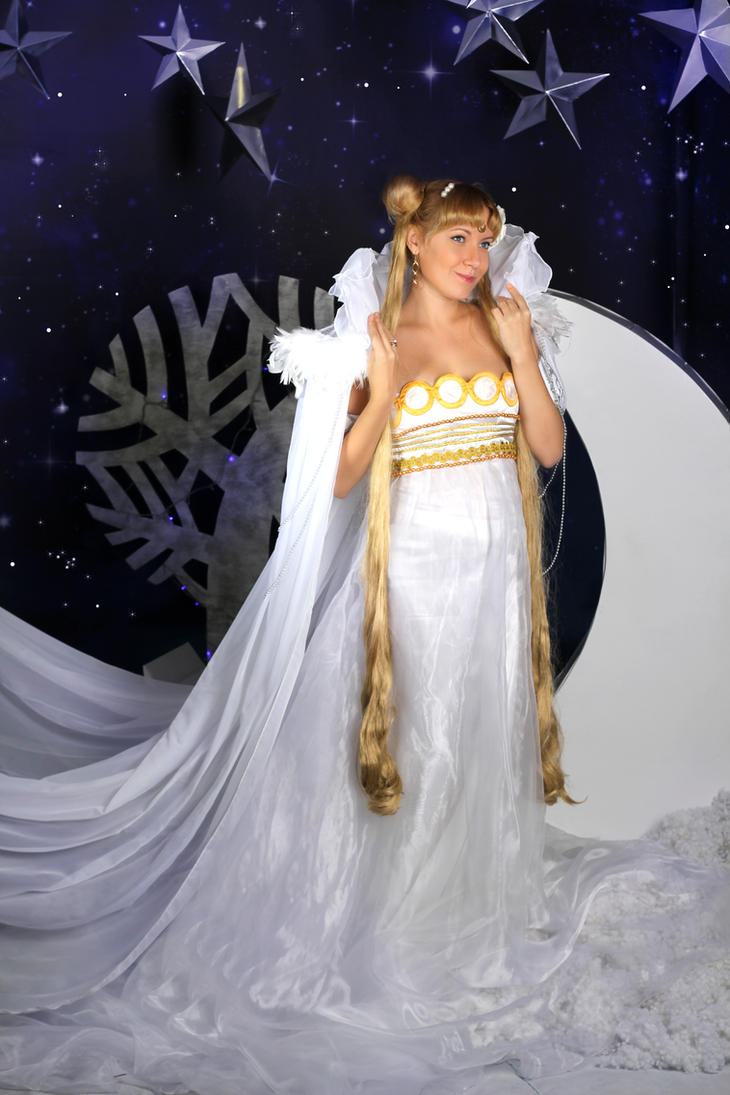 Winter Princess Serenity Cosplay 3 by usagi999