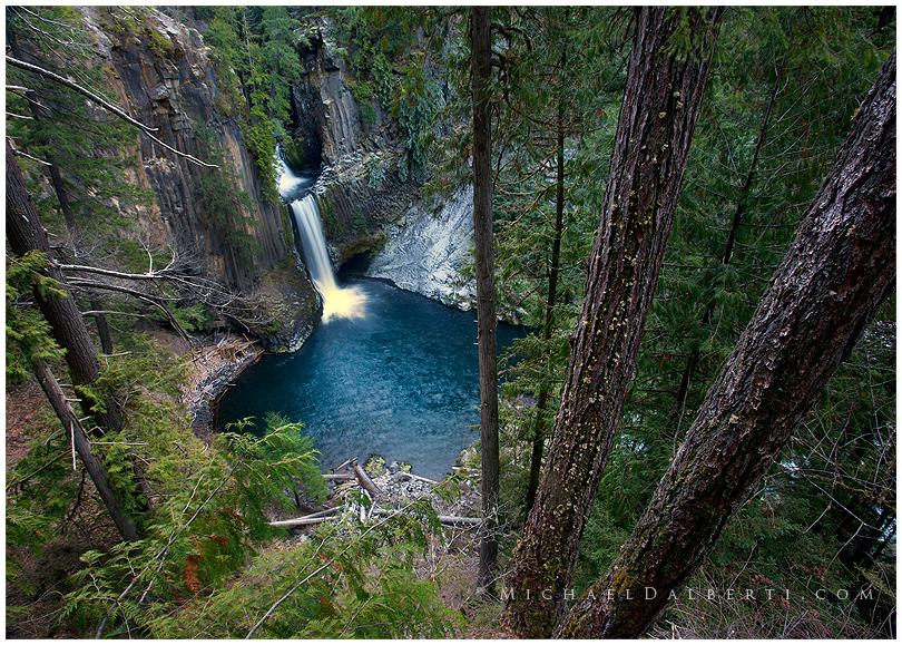 Toketee Falls by michael-dalberti