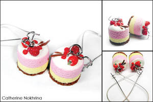 Berry cakes by CinnamonFlavour