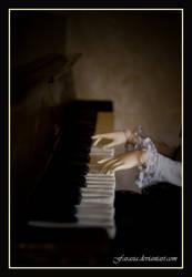 Pianist by Farasia