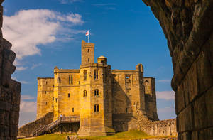 Warkworth Castle by newcastlemale