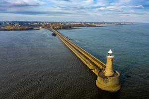 Tynemouth Pier by newcastlemale