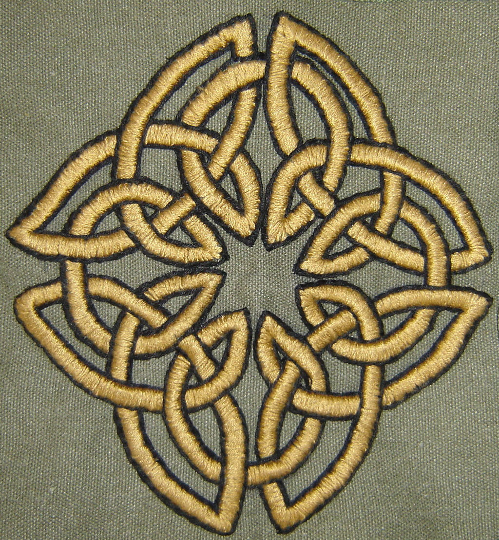 The Endless Knot - Embroidery by Guenieviere
