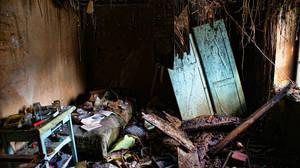 Abandoned Bedroom by Banderoo