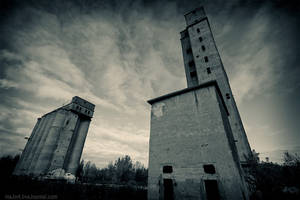 two towers by Tommy-Noker