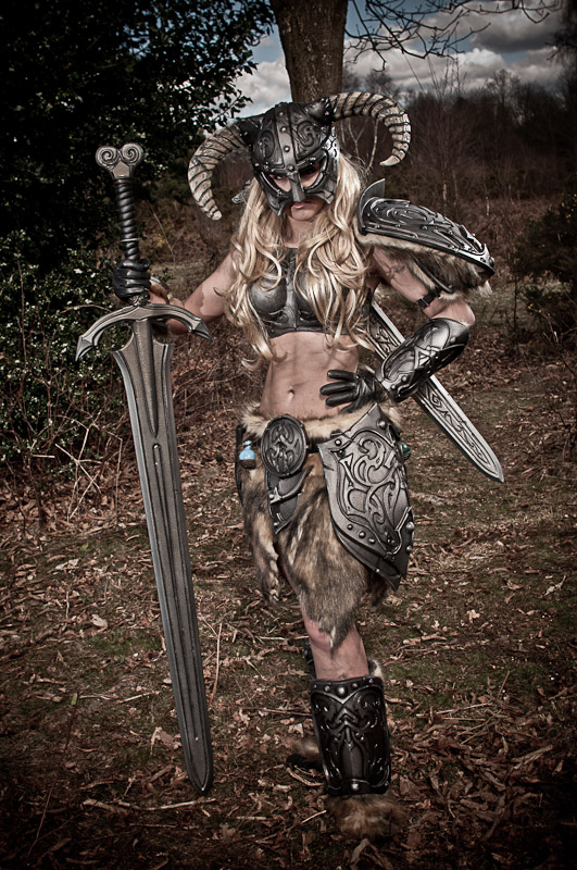 Skyrim Cosplay with Great sword by Artyfakes