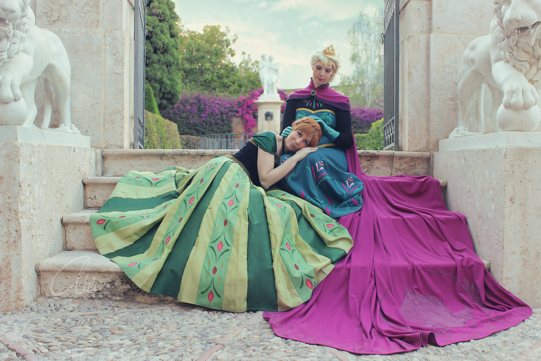 Cosplay: Frozen by Abletodoall