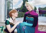 Cosplay: Love of sisters