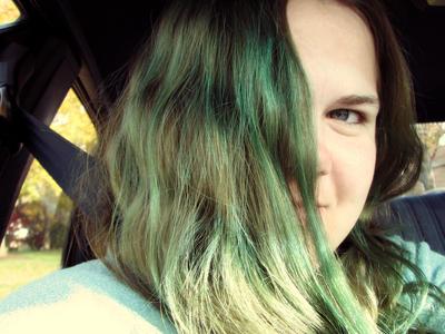 bluegoldrose's Profile Picture