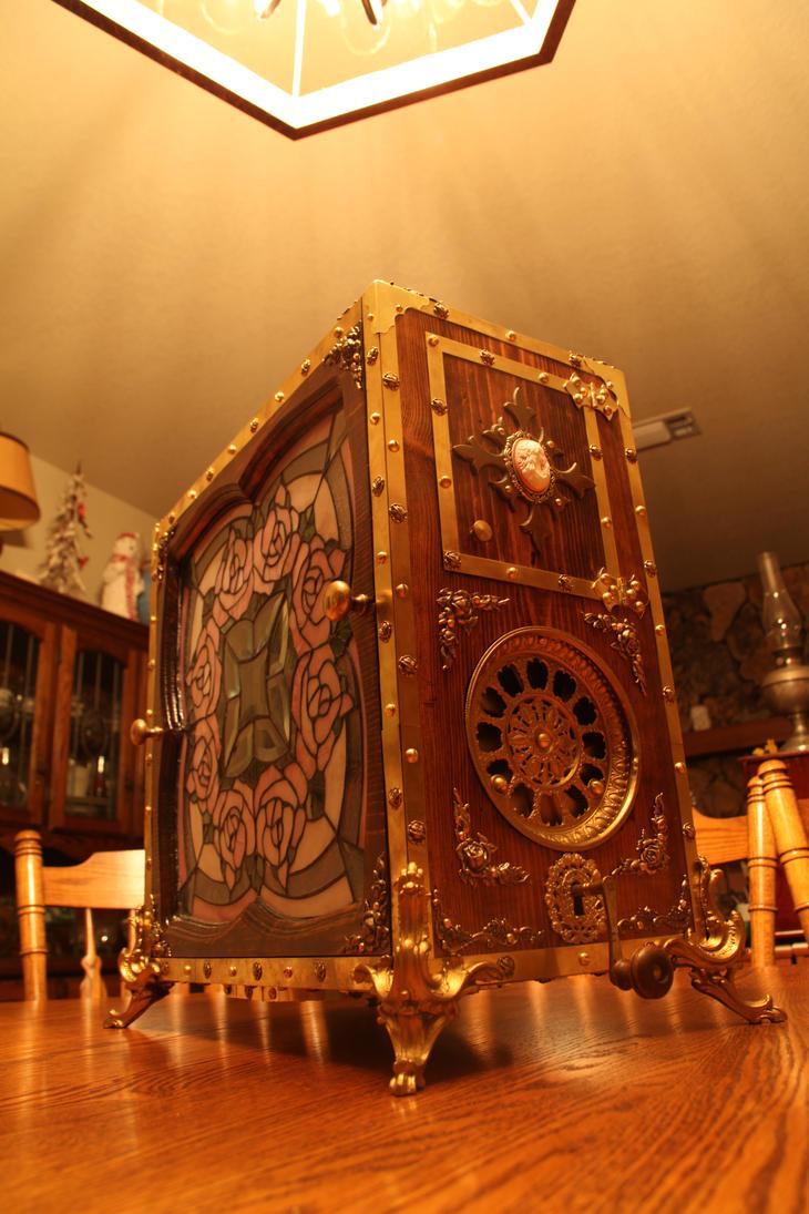 Carlyeesi, Wooden Computer I by Sabbar