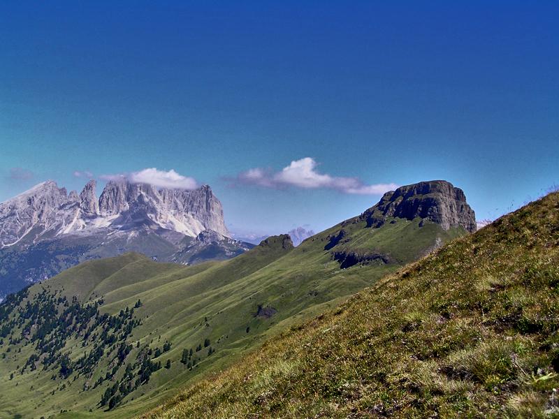 Along the ridge by edelweiss26