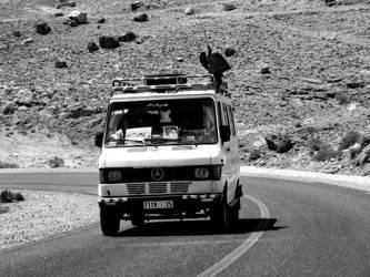 Car in Maroc by Felix-gessl