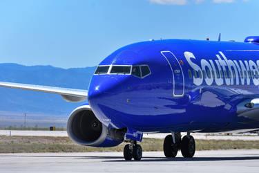 Southwest Airlines Pilot Waving by EchoAllient