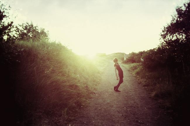 Mot ljuset by WrappedUpInBooks