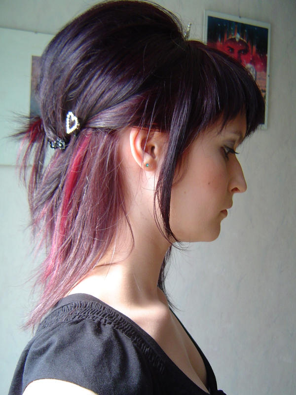 hairstyle: side-face