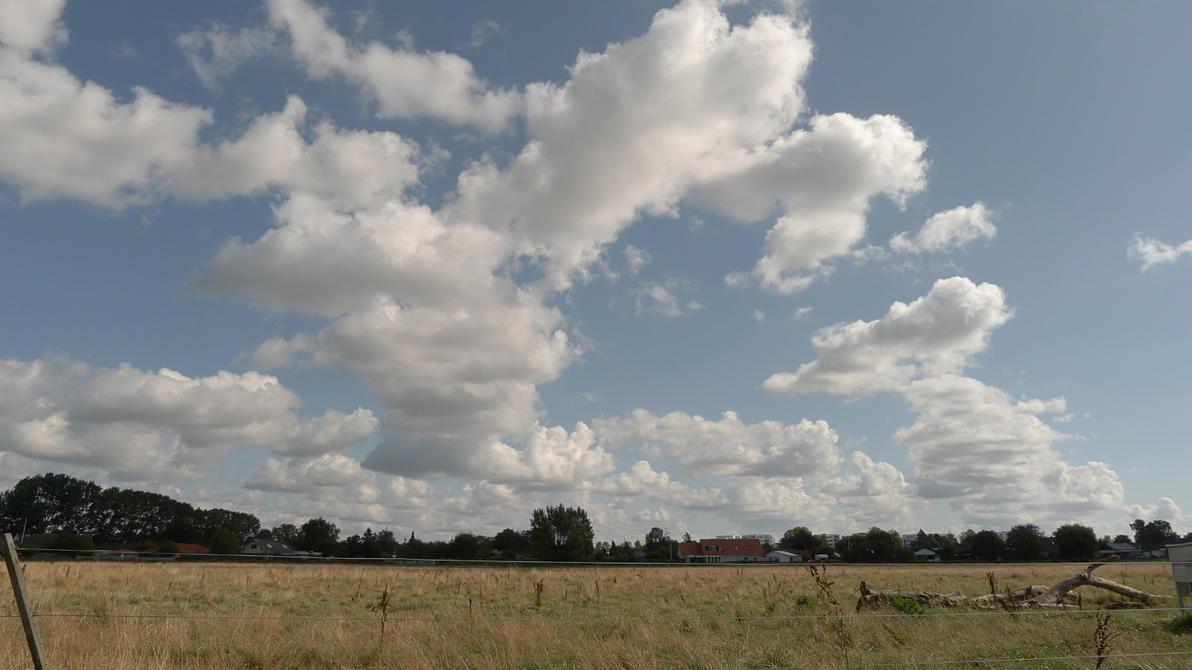 Clouds by R-a-z-z