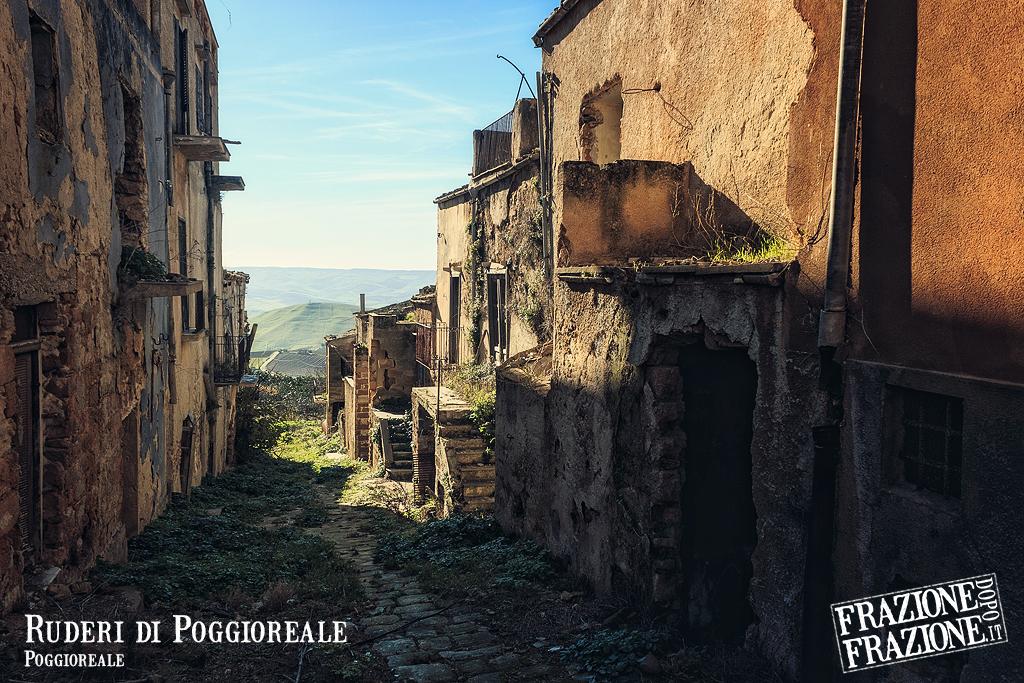 Ruderi di Poggioreale (Poggioreale) by klapouch
