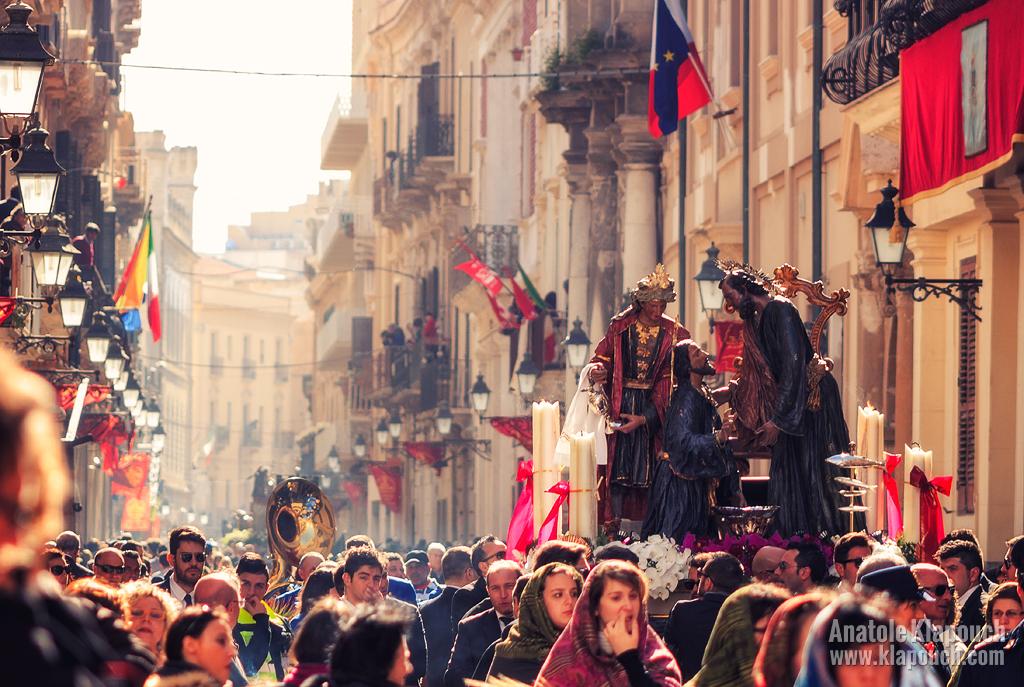 La Processione dei Misteri di Trapani by klapouch