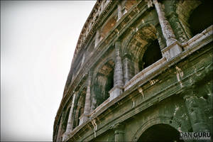 Il Colosseo II by RoqqR