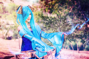 Only you can hear me summoner~ Sona Cosplay