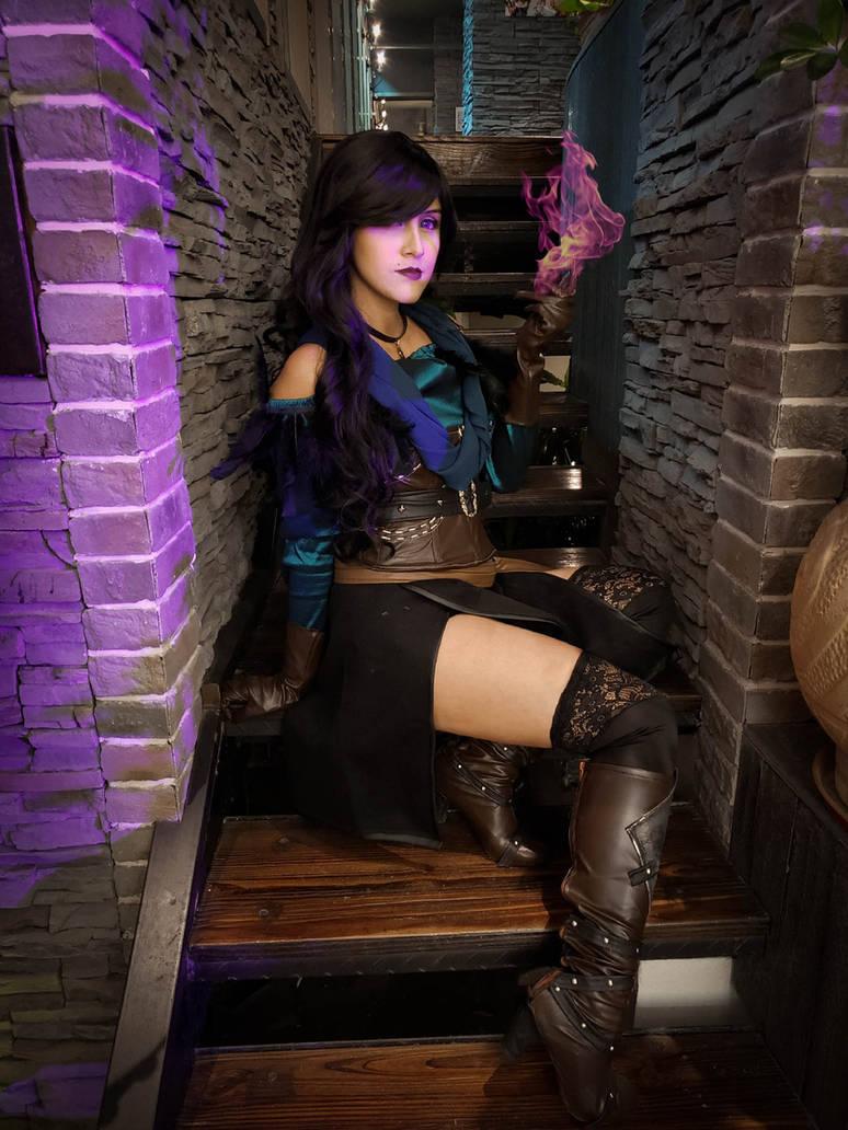 Yennefer of Vengeberg (cosplay) by TheSweetAmy