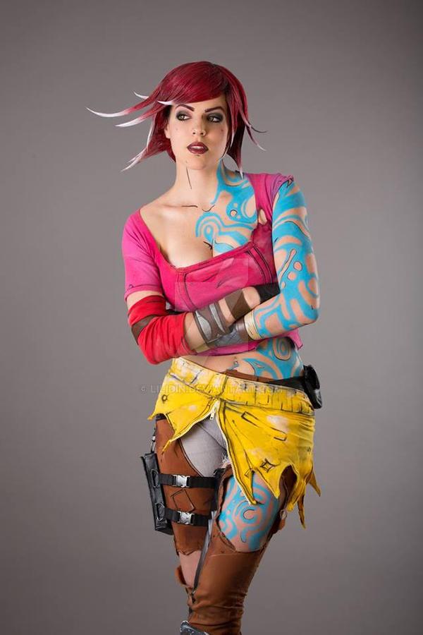Lilith the Firehawk by LiliDin