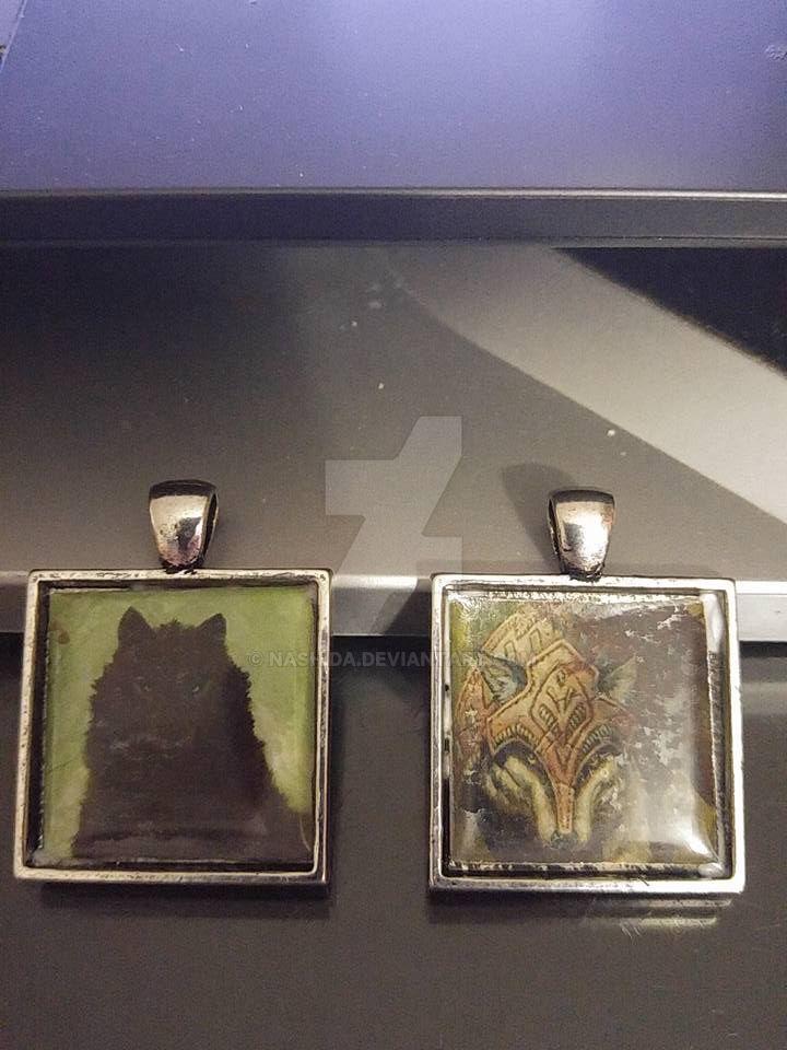 Wolf Pendants by Nashida