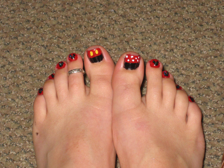 Mickey Mouse Toenails By Yellow Tulips On Deviantart