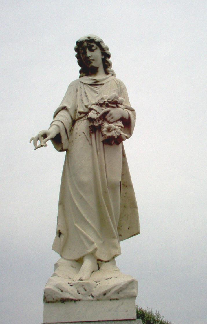 Graveyard statue by DavidDDay