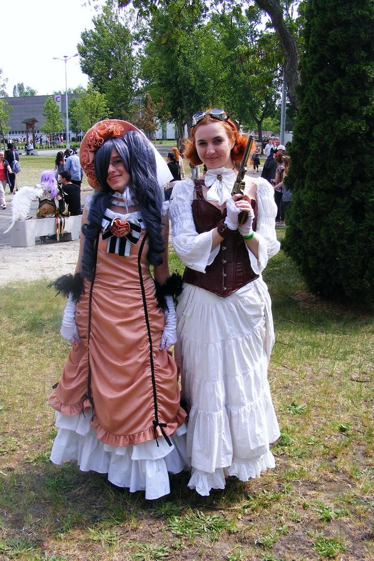 Pretty ladies with skirts by NoviNowotny