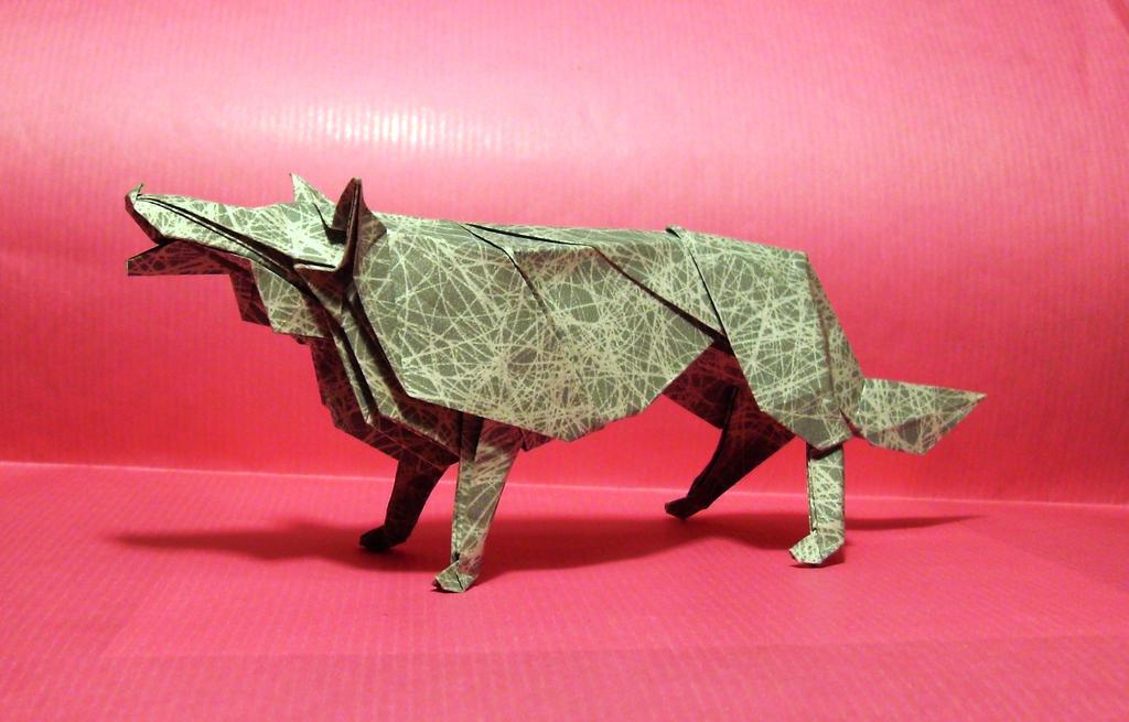 Origami Wolf by Orestigami