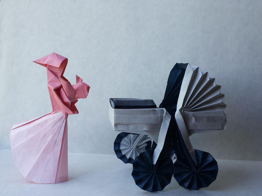 Origami mother and child by Orestigami