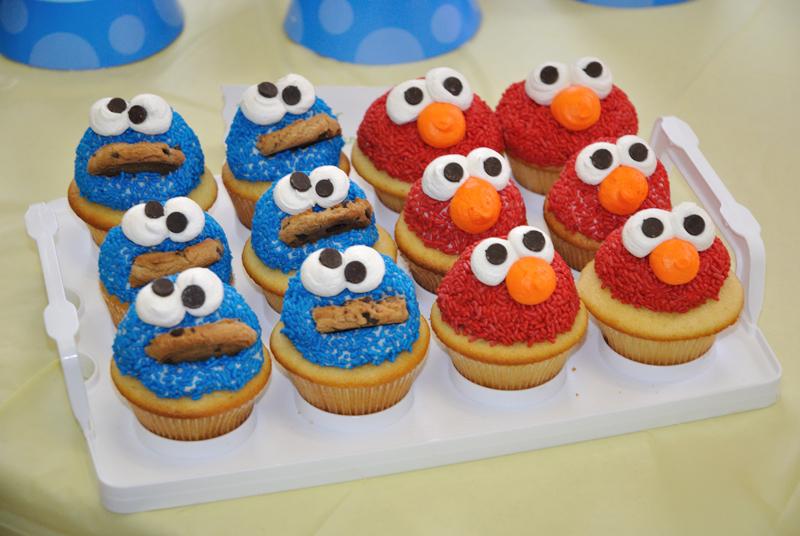 Cookie Monster Elmo Cupcakes By Megalbagel On Deviantart