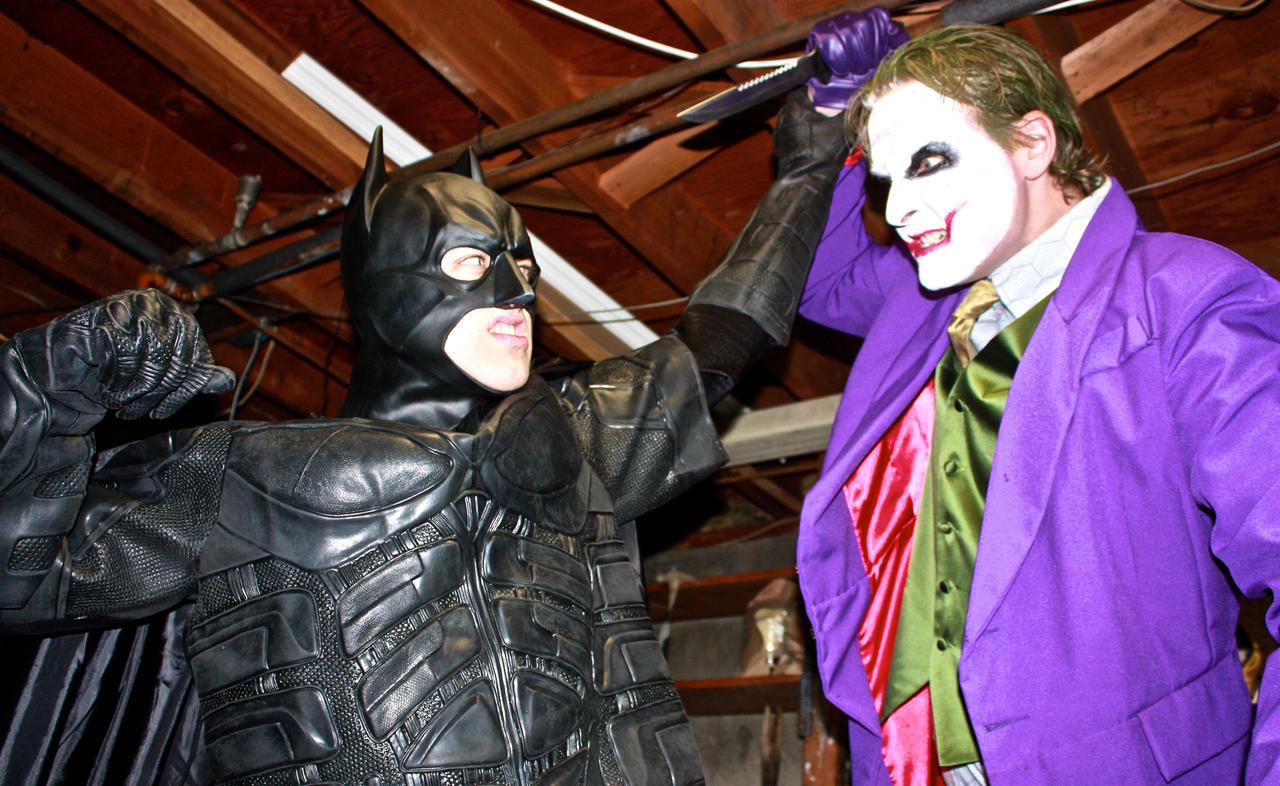 Batman vs. Joker by cosplaynut
