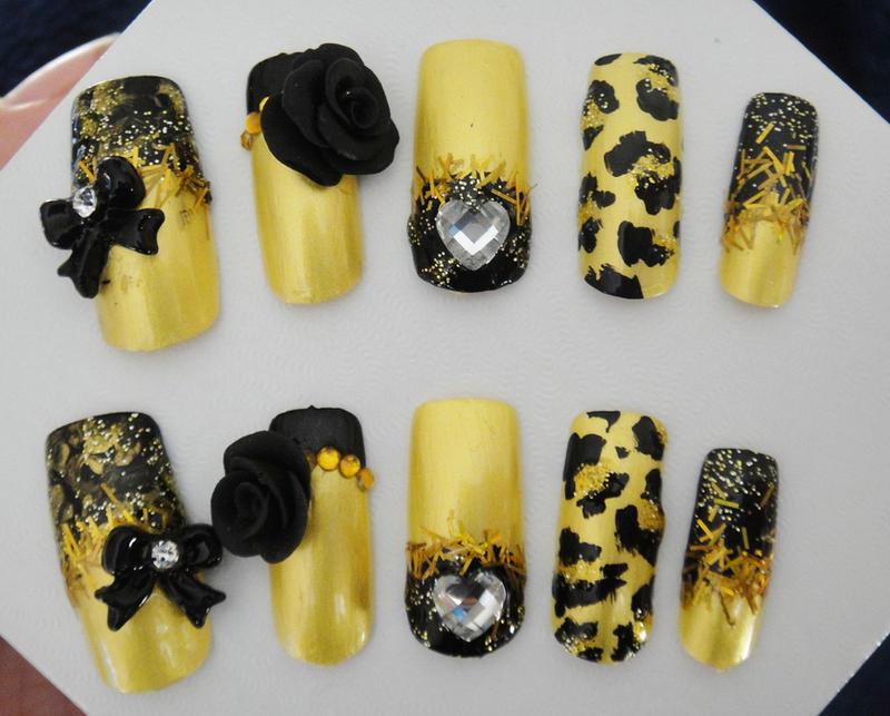 Gold, black New 2D nail set by jadelushdesigns on DeviantArt