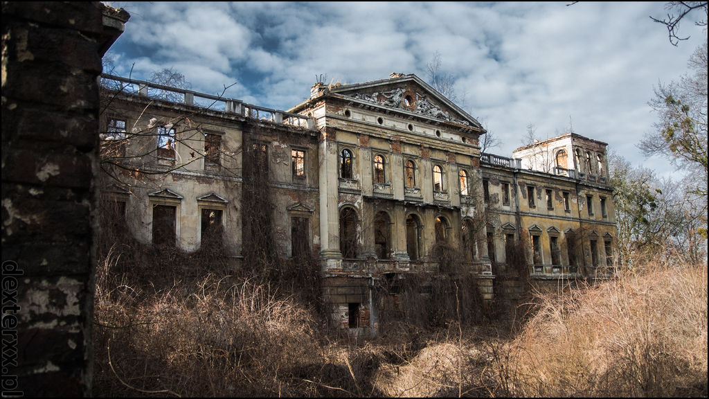 The ruins of palace in Slawikow
