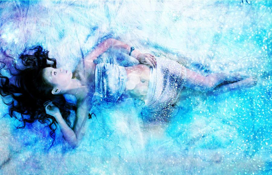 Fille qui tombe sur la glace
