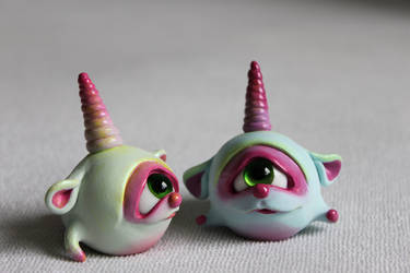 one-eyed unicorn-snails by Horriblesweet