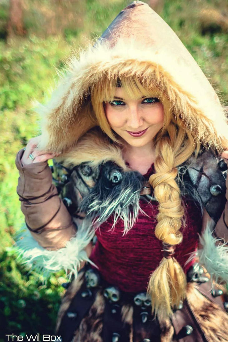 How To Train Your Dragon 2 Astrid Cosplay by Tarah-Rex