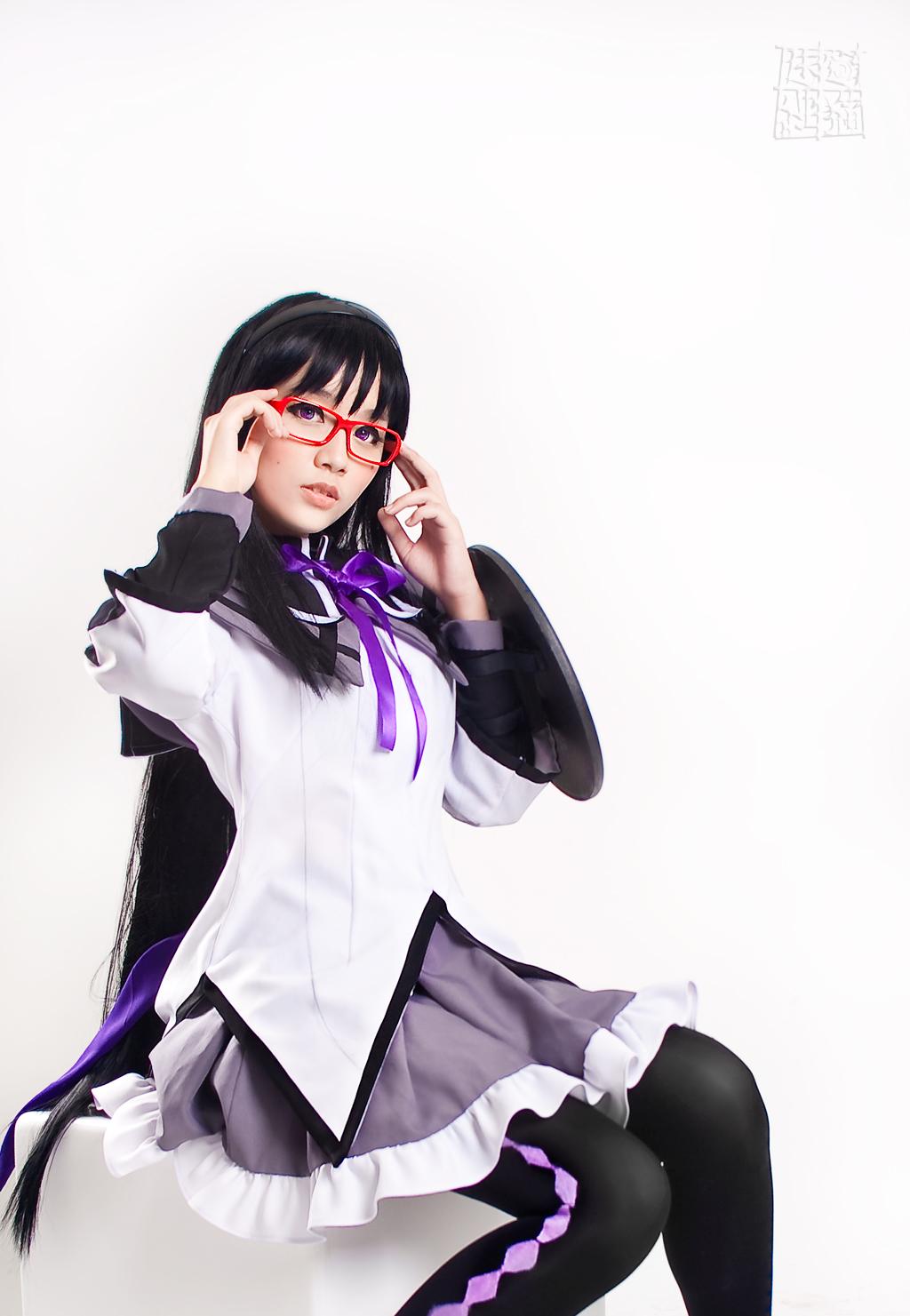 Homura Akemi Cosplay - Puella Magi Madoka Magica by rae-yei