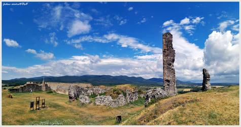 Nograd ruins