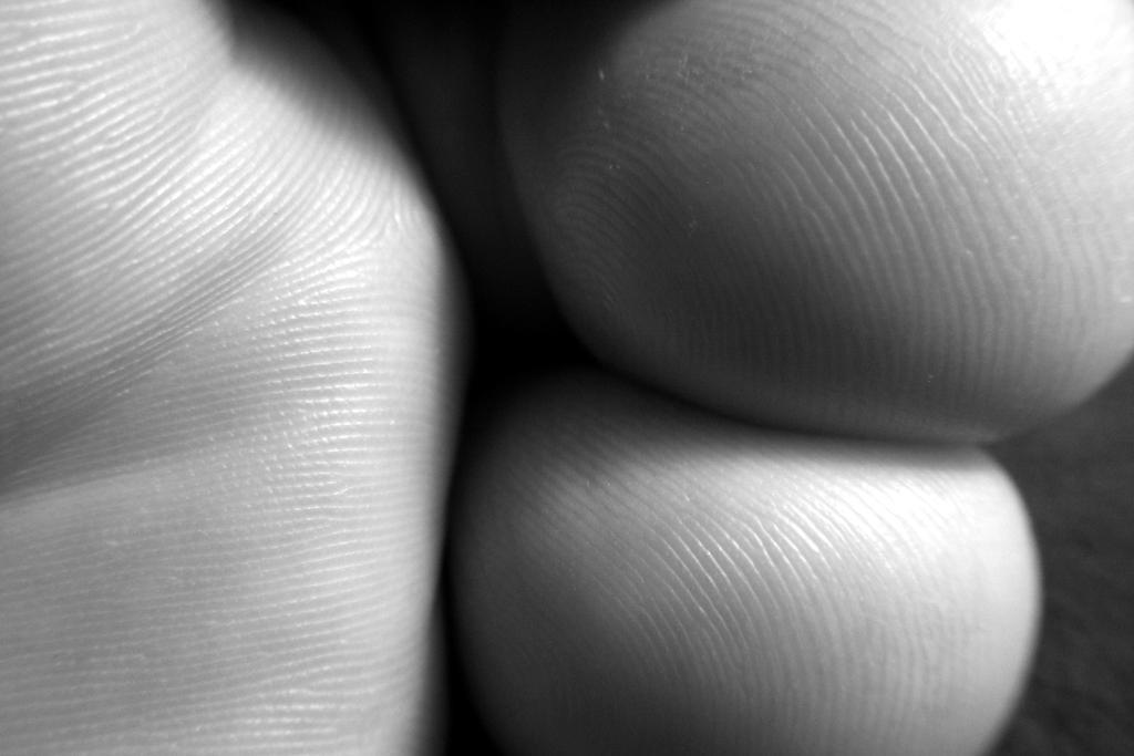 Toes by Missjo87
