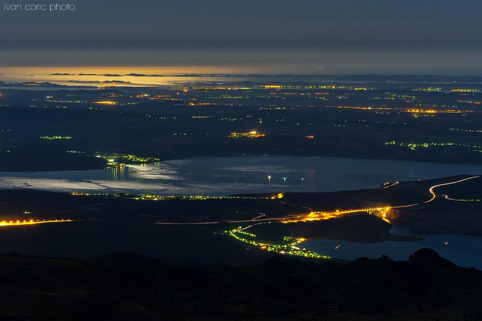 Night view by ivancoric