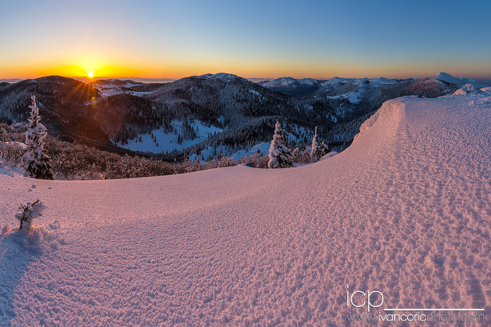 Winter Sunrise by ivancoric