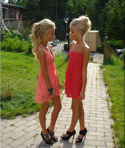 Beautiful-young-girls-pink-dresses-high-heels (2) by PleaseImJustaGirl